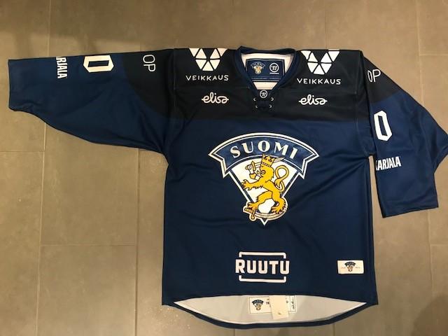 Leijonat fanipaita sininen 2018.jpg