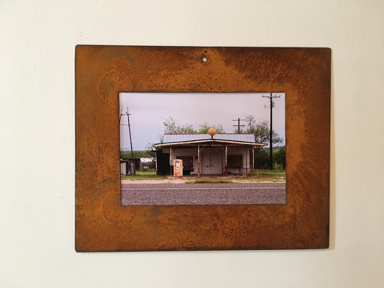 FILLING STATION, closed down