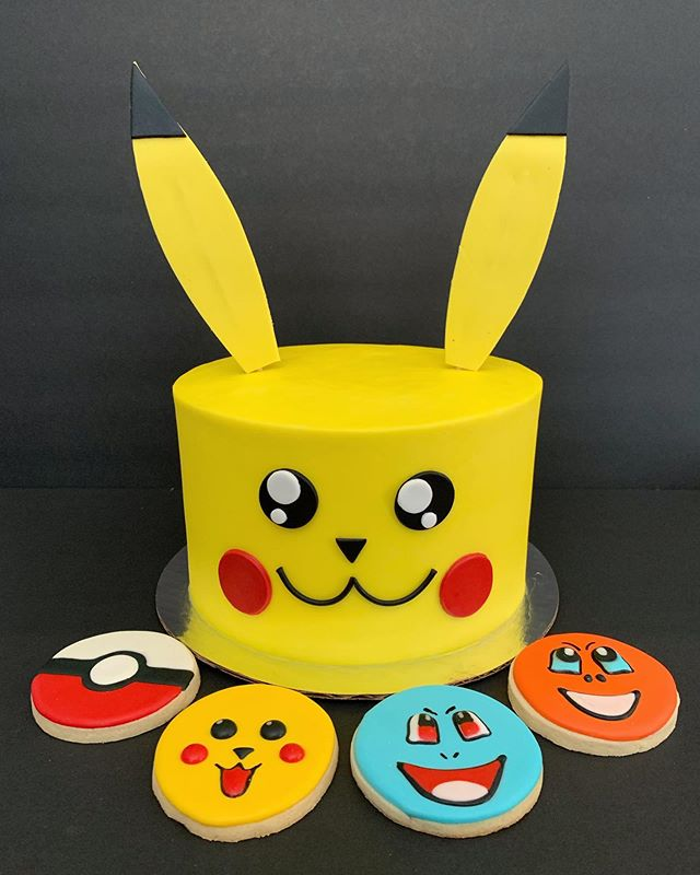 How fun are these Pokémon cake and cookies?