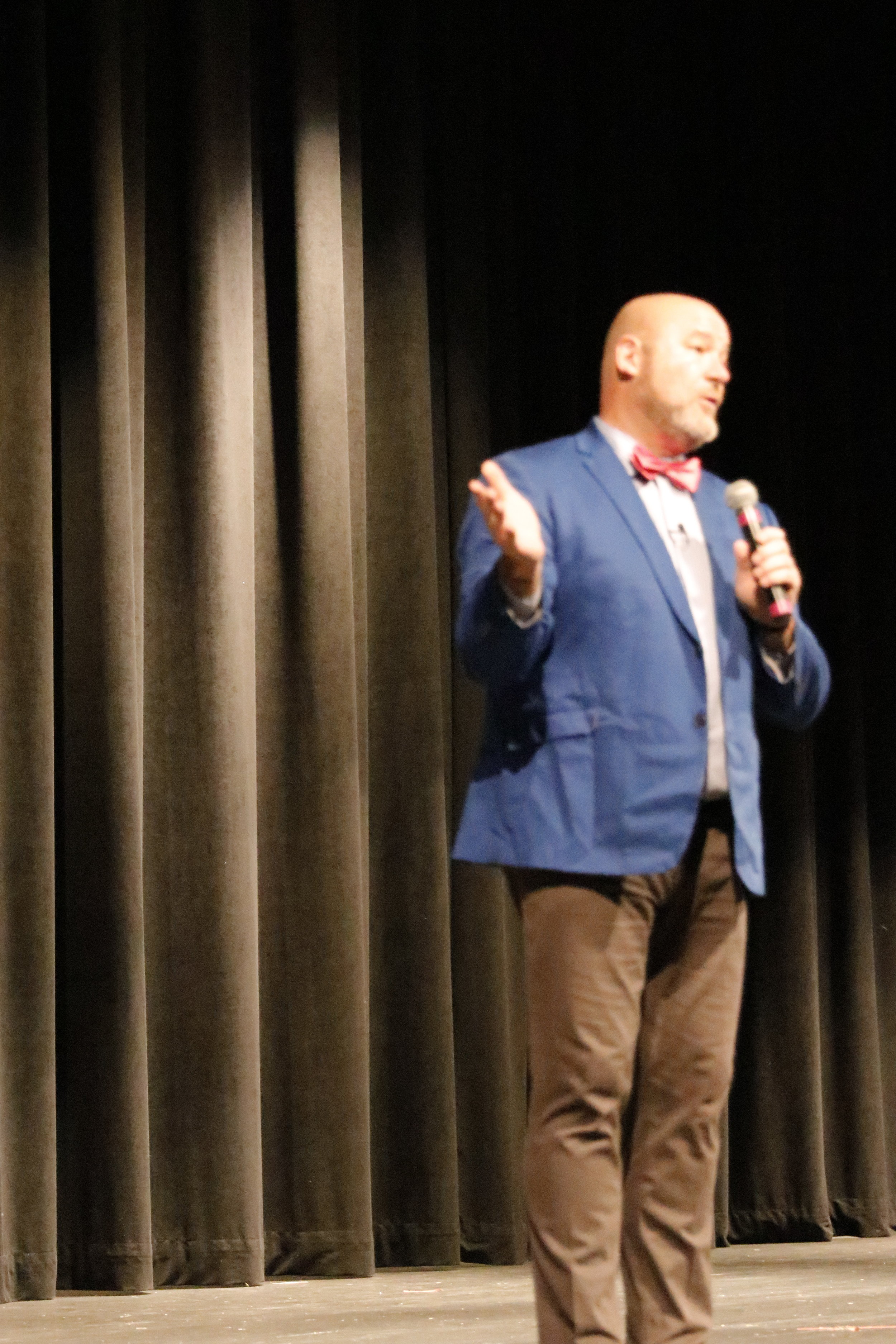 A Standing Ovation Two Hour Talk to 800 Teachers