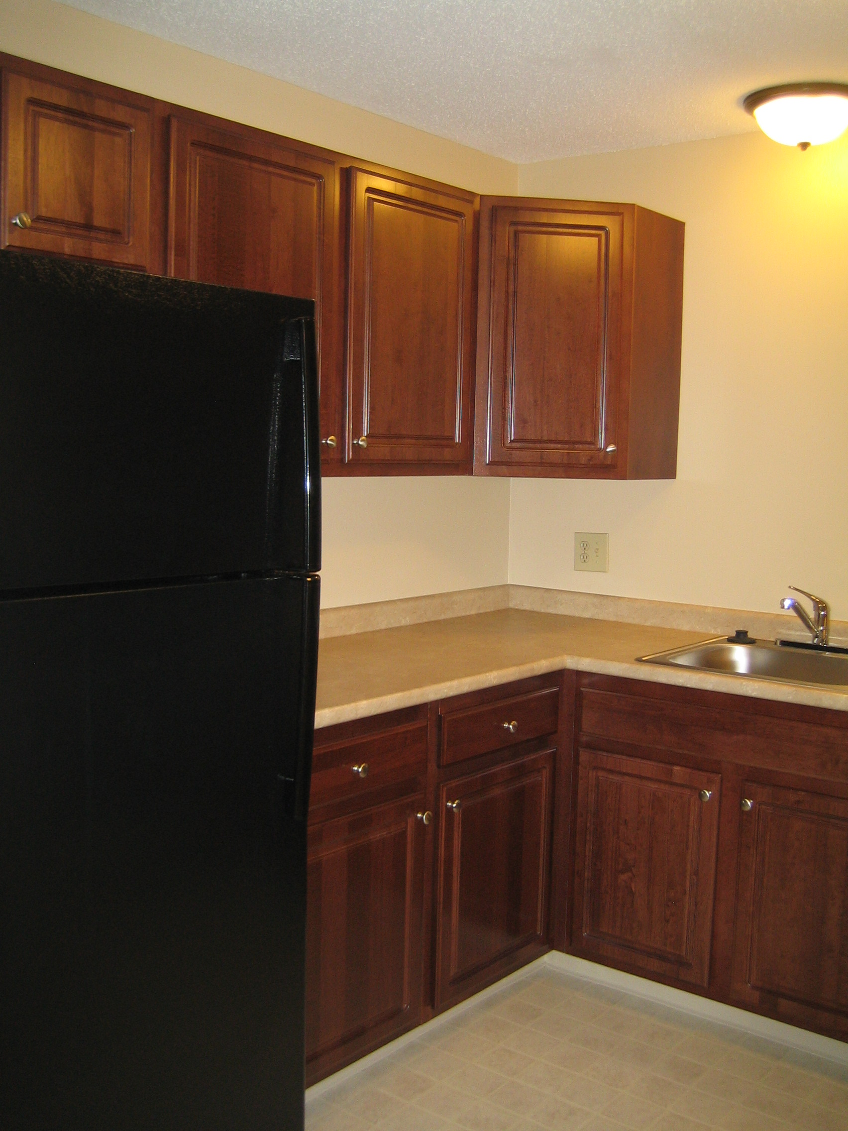 mid kitchen 2.JPG