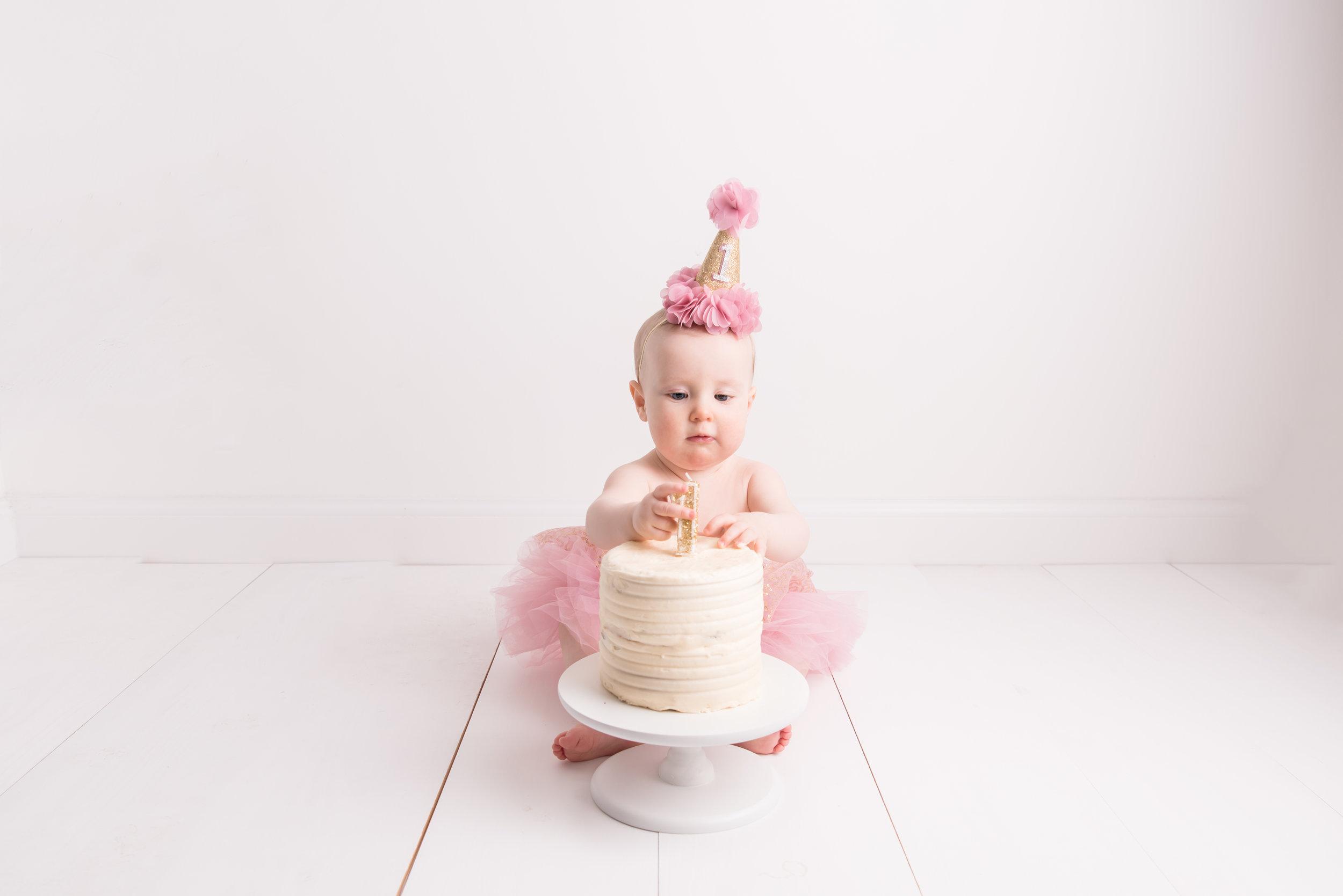Lynsey-Jackson-Cake-Smash-11.jpg