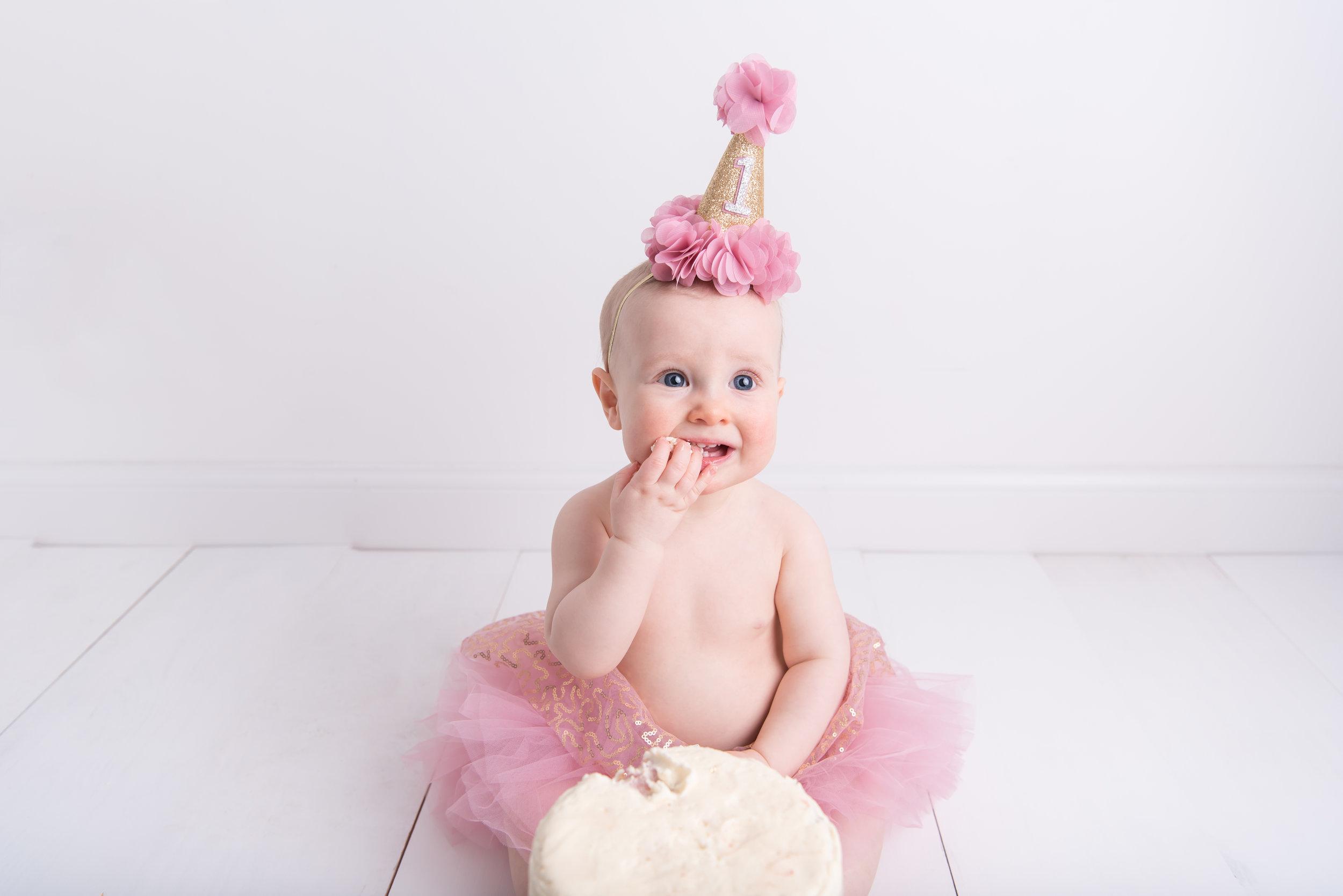 Lynsey-Jackson-Cake-Smash-14.jpg