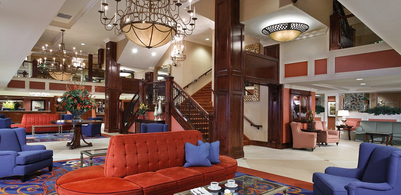 villa-roma-lobby.jpg