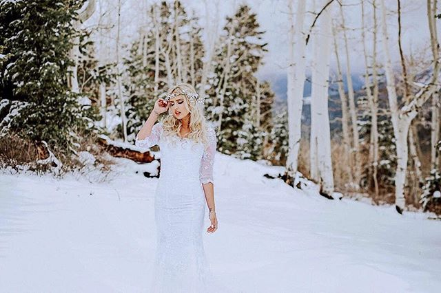 Throwback to this beautiful babes white wedding. It was so dreamy!💕 . • • • • • • • #southernutahphotography #southernutahphotographer #belovedstories #loveandwildhearts #livewildatheart #dirtybootsandmessyhair #authenticlovemag #muchlove_ig #utahbrideblog #utahvalleybride #wanderingphotographers #unconventionaltogs #bridal #whitewedding #elopementlove #firstandlasts #adventurebrides #anotherwildstory #adventuresandromance #adventurouslovestories #radlovestories #theknot #beyondthewanderlust #junebugswedding #stgeorgeweddings