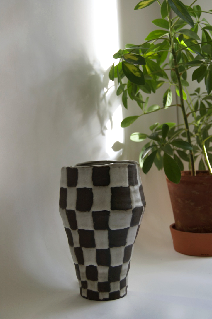 Checker Vase 1.jpg