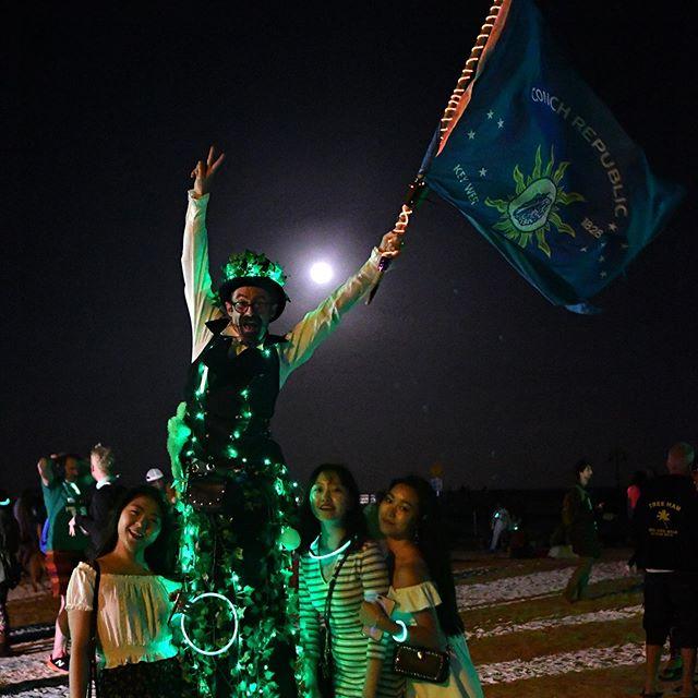 See you tonight, Key West!!! We've got soooo many flowers, the smell is going to be amazing! • #keywest #floridakeys #lovekeywest #flowermoon #fullmoonparty #fullmoonx #fullmoonexperience #inbloom #higgsbeach