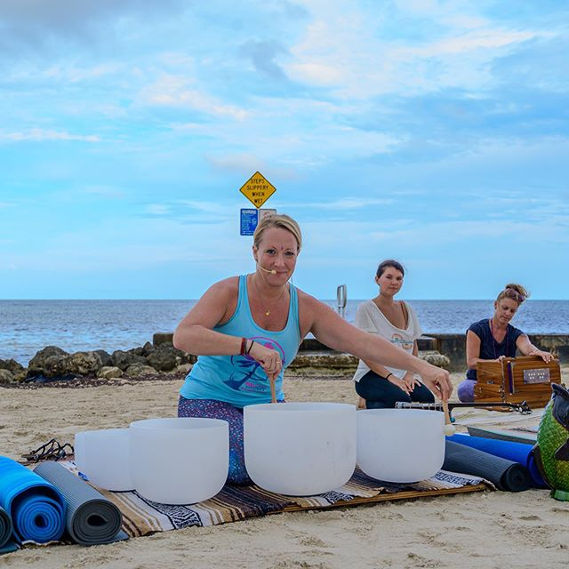 A big hug goes out to @exhalewithemily for dedicating so much of her time offering yoga throughout the 2019-20 Experience.  Her service to the community exceeds far beyond the beach, carrying a smile and an appreciation for everyone wherever she goes.  Thanks for all that you do, Emily! • #keywest #floridakeys #keywestyoga #kwmooncrew #yoga #beachyoga #singingbowls #namaste #fullmoonx #fullmoonexperience #fullmoonparty #fullmoon