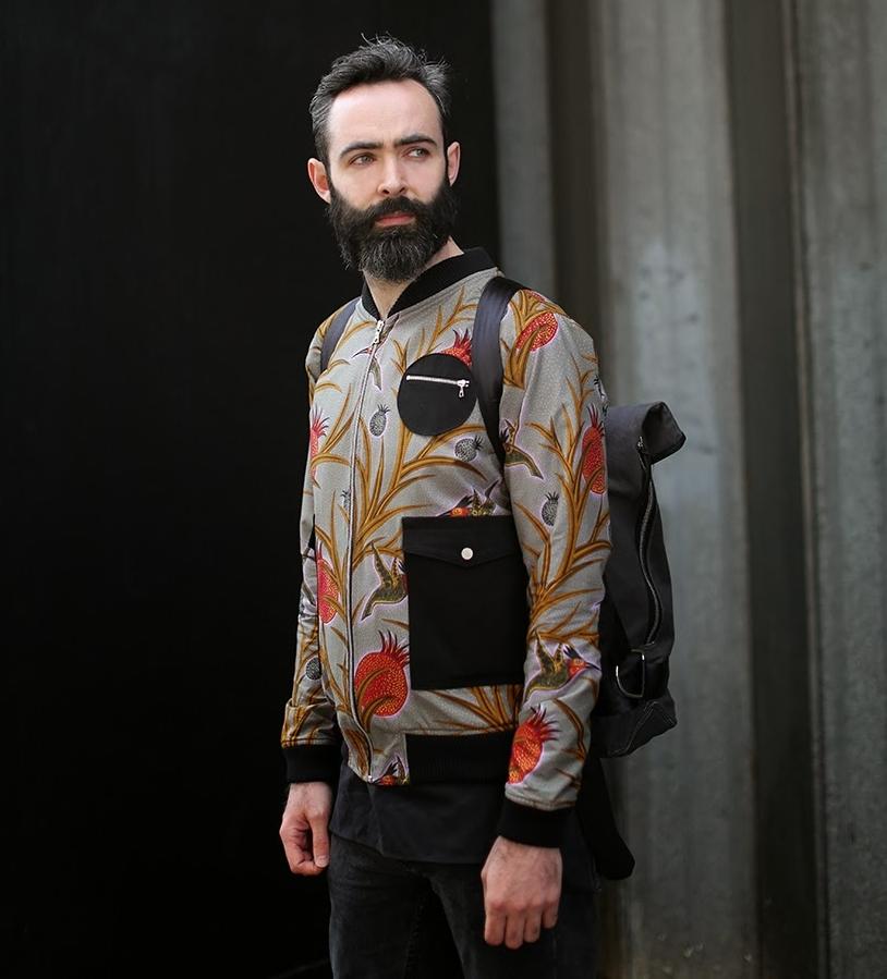 Dent de Man - Bomber jacketCompany: Pattern cutting