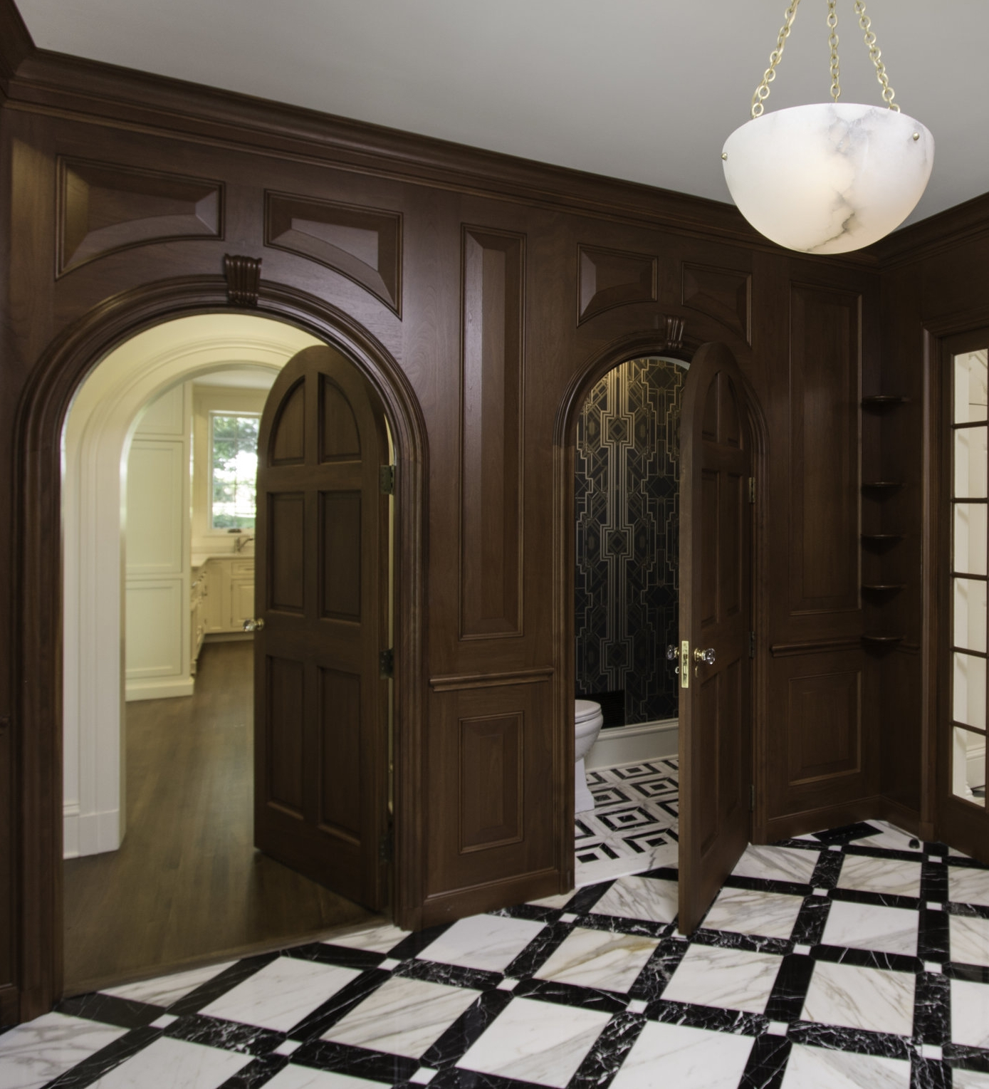 Kitchen, Bath and INTERIOR DESIGN SERVICES - Investments starting at $25KSpace planning, kitchen and bath design and interior detailing; period-specific architectural moulding and detail design; detailing of finishes and built-in features; color, pattern and material selection and coordination. Procurement of furnishings and soft goods upon request.