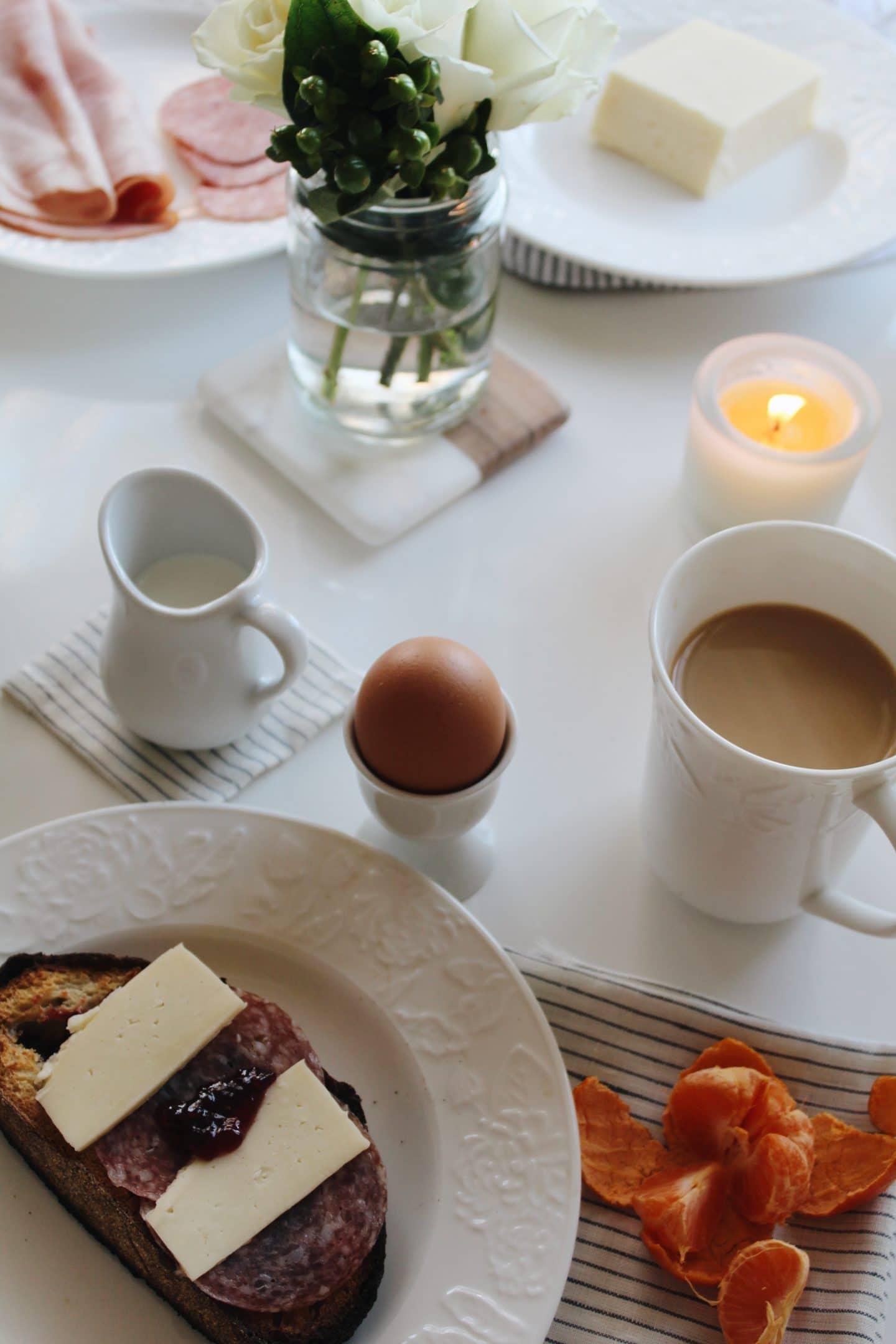 basedonbeige_norwegian_breakfast_2.jpg