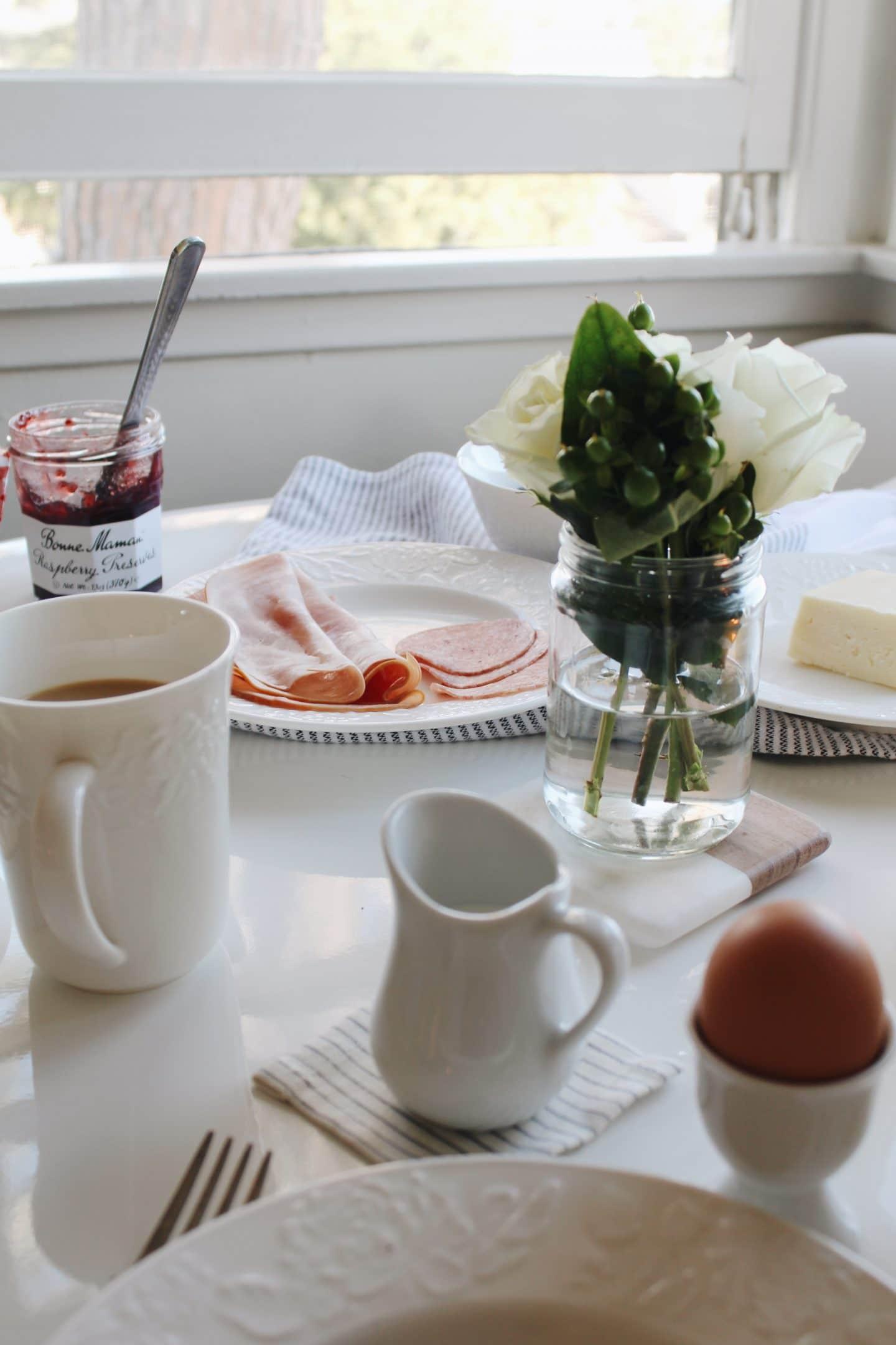 basedonbeige_norwegian_breakfast_3.jpg