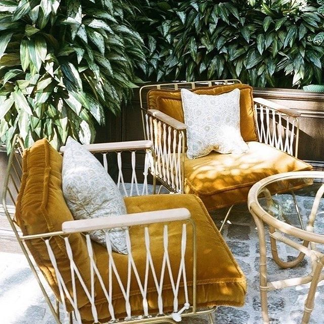 Meet me at 30-32 Rue du Sentier. There's a seat for both of us. 🌿 (via @thehoxtonhotel)