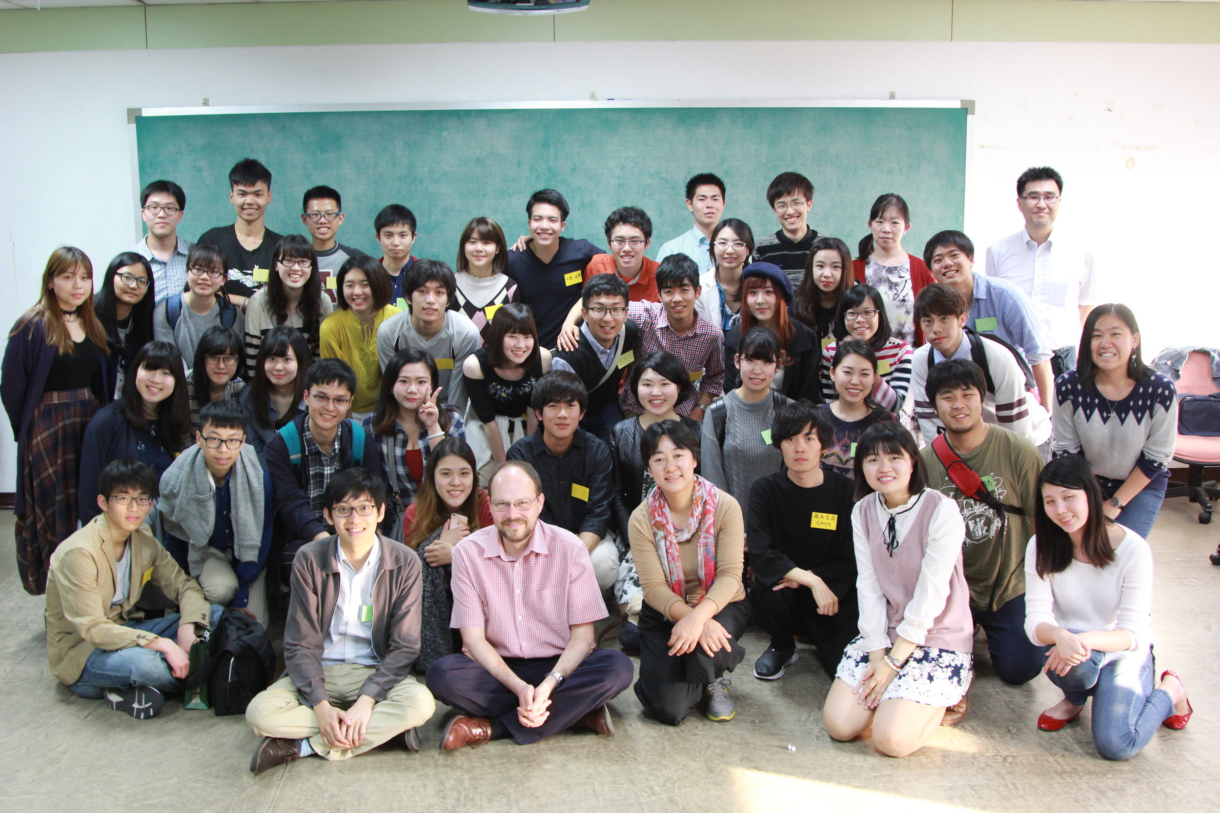 Students from Tokyo and Kyushu Universities with their counterparts from National Taiwan and Tamkang Universities at NTU in Taipei, March 17 (Prof.s Ako, Tomita and Vickers and Dr. Maehara in attendance). (Photo: Mervin Low)