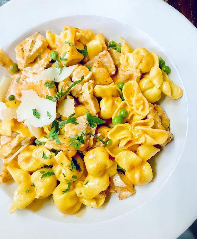 sometimes you just need that giant bowl of pasta #balance 🍝🍝🍝 . . . . • • • #eeeeeats #eeeeeatsnyc #eeeeeqtsnycravings #foodie #eatingfortheinsta #food #nyc #brooklyn #newyorkcitybites #foodporn #foodgasm #nom #nomnom #hungry #chefmode #yummy #instafood #foodgram #delicious #instagood #yum #instapic #foodphotography #foodstagram #foodpics #likeforalike #likethis