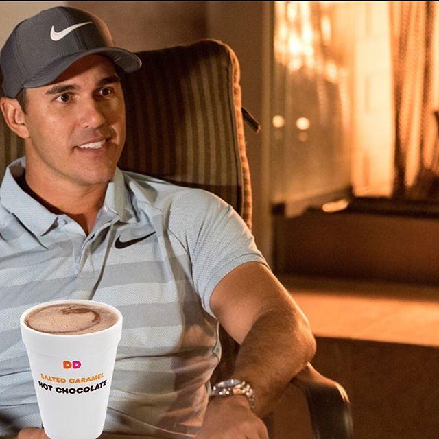 We caught @bkoepka drinking a salted caramel @dunkin HOT coffee! 😱 . . . #golf #golflife #golow #golfing #usa #america #dunkin #dunkindonuts #pgatour #pga #florida #floridaboy #coffee #jacknicklaus #pgamemes #golfmemes #lovegolf #golfporn #golfers #golfboys #koepka