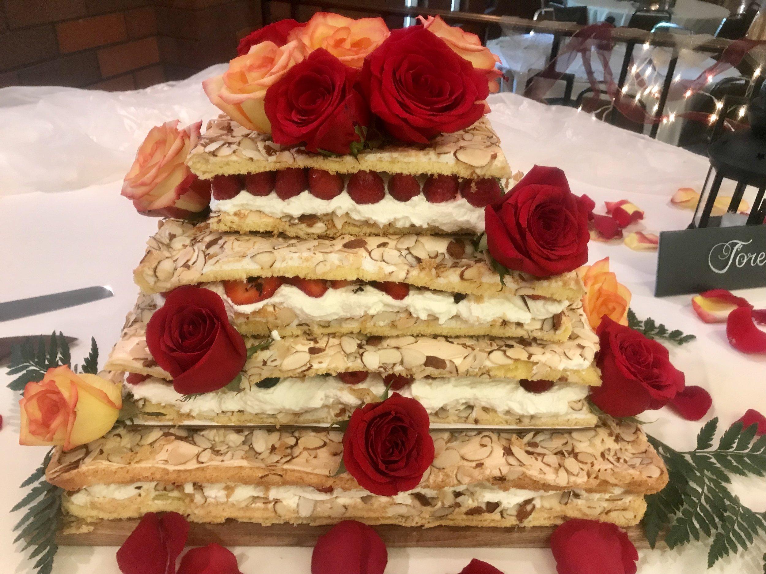 Pinocchio Torte Wedding Cake