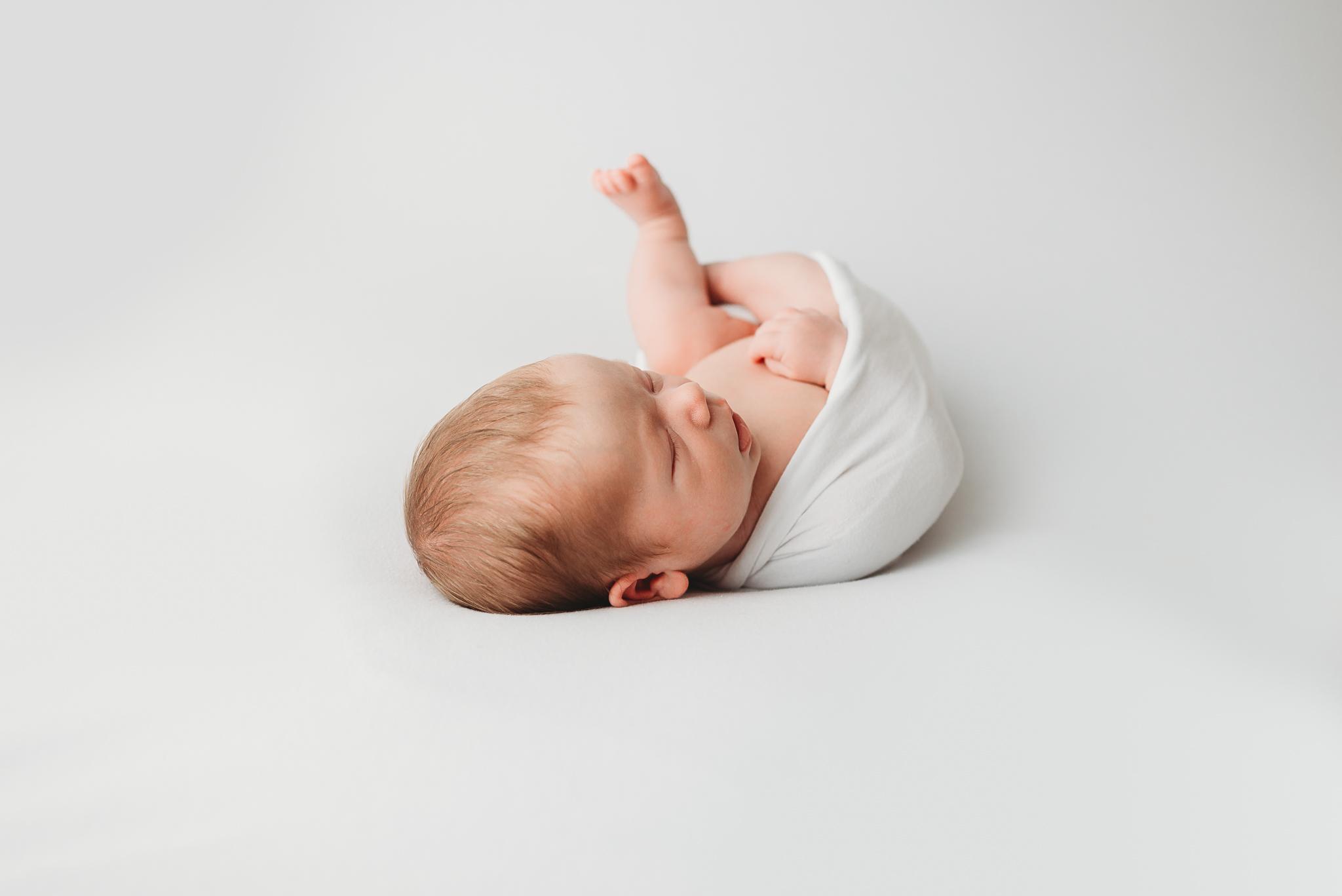kelowna_newborn_photographer_lifestyle (2 of 1)-2.jpg