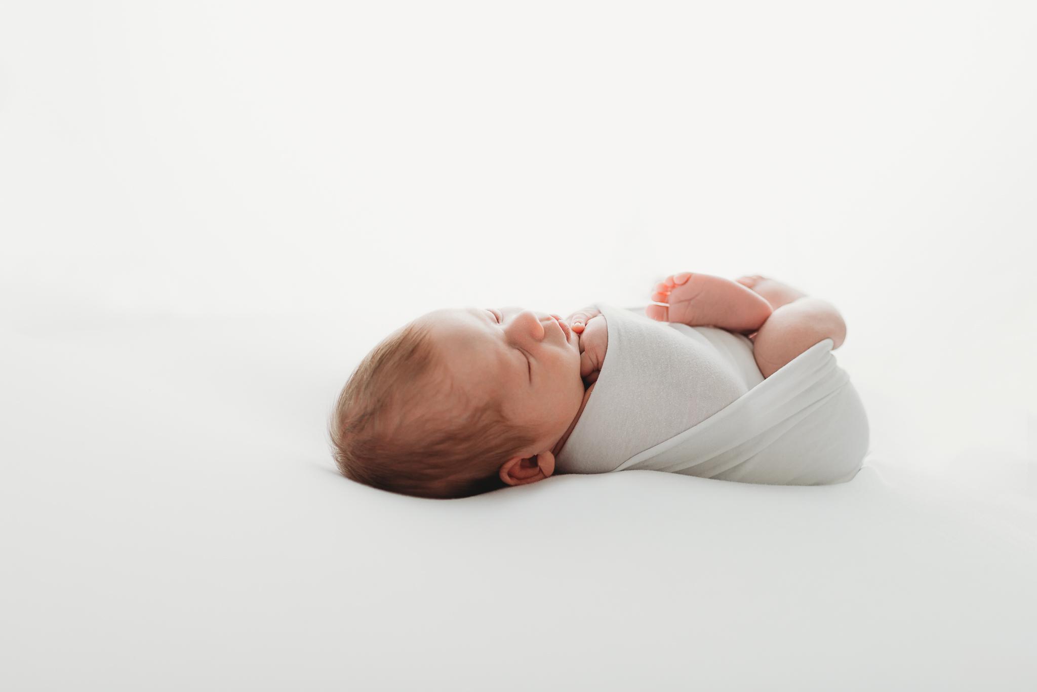 kelowna_newborn_photographer_lifestyle (2 of 1)-7.jpg