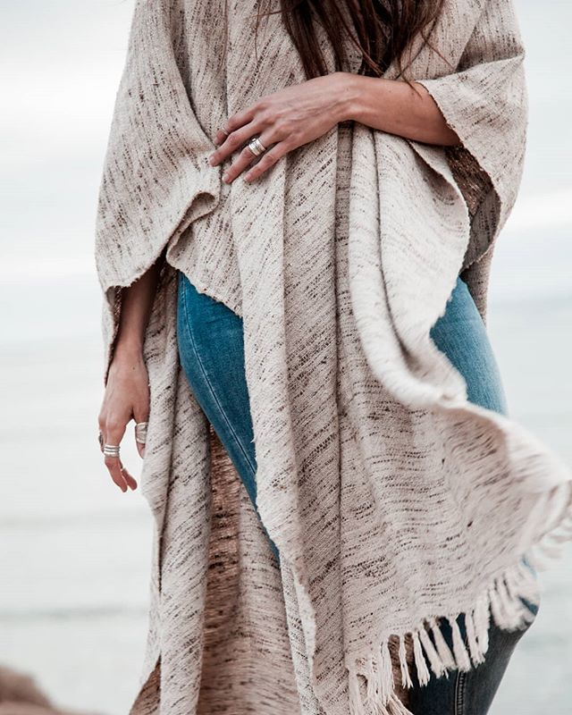 I love clothes and capturing the way it moves in real life. Completely OBSESSED with this pieces from @rehasht 😍 from the @petradeluna content session. . . . #rehasht #vintagestyle #vintagefashion #ethicalfashion #ethicalbrands #ruana #ponchostyle #ethicalartisans #petradelunashop #beachvibes #desertvibes #wearecreatives #wearetravelgirls #brandphotography #sandiegophotographer #travelingphotographer #wildandfreestyle #darlingescapades #inspiredbywomen #iamwoman #authenticallyme #movement #texture #pursuewhatislovely