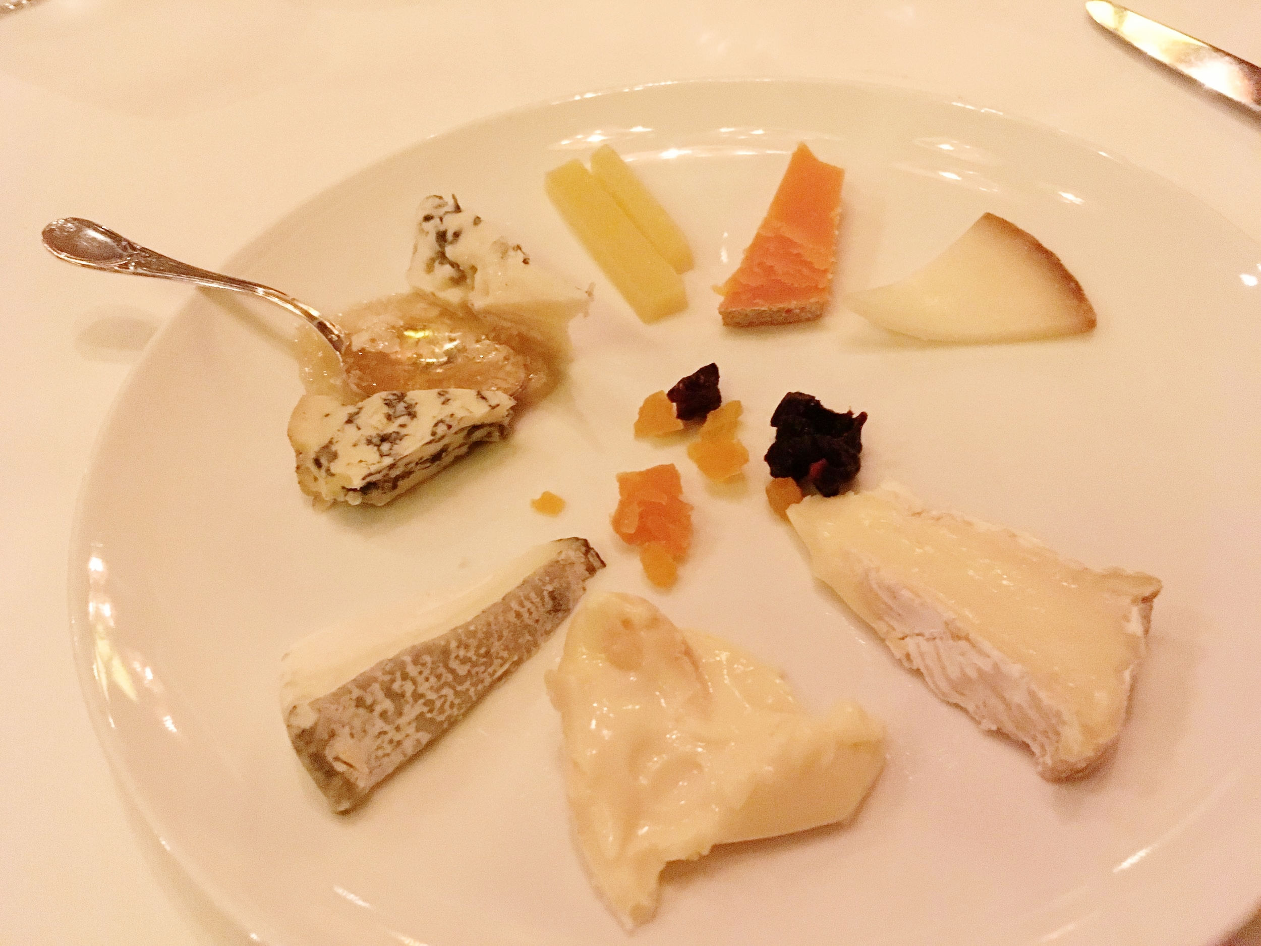 Disney_Cruise_Remy_cheese_selection.jpg