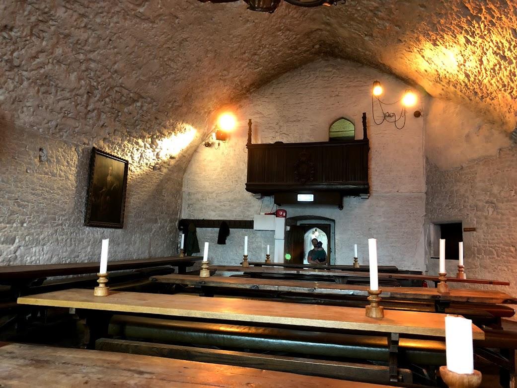 bunratty castle dining hall.jpg