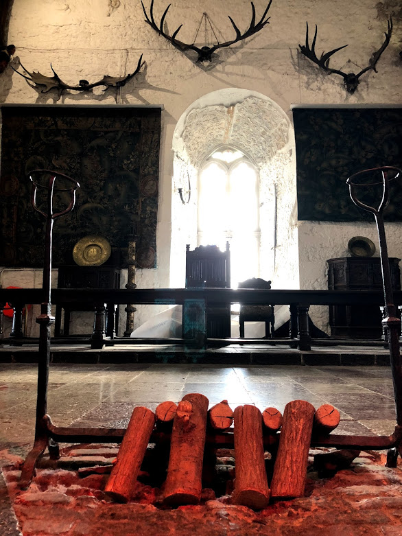 bunratty castle meeting hall.jpg