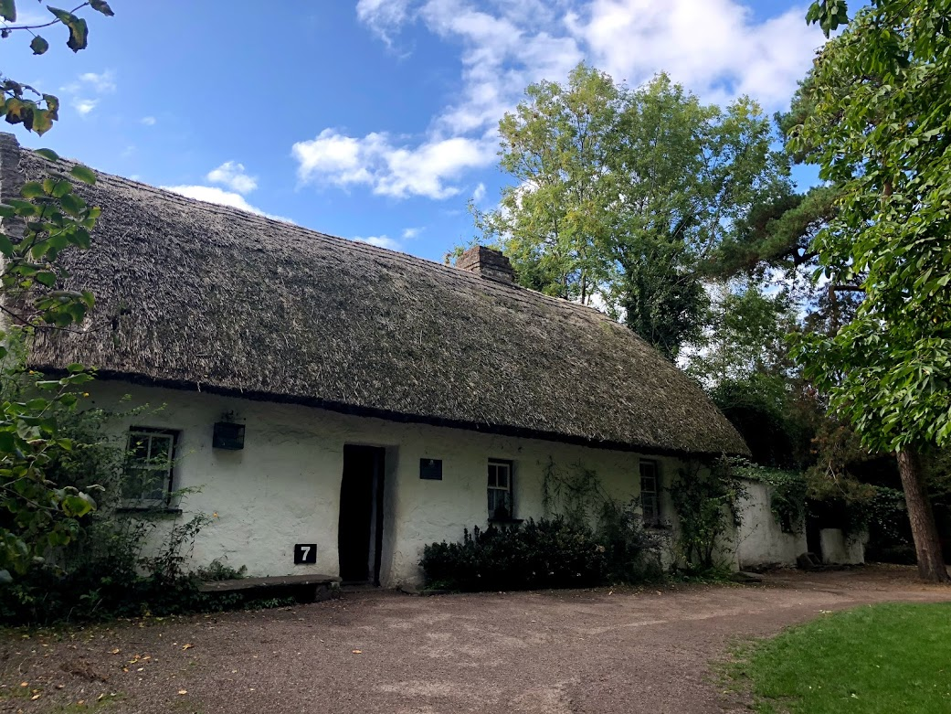 bunratty castle village thatched roof house.jpg