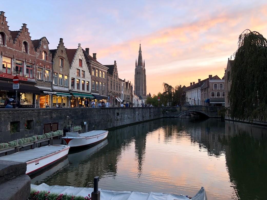 brugge bruges canal belgium.jpg