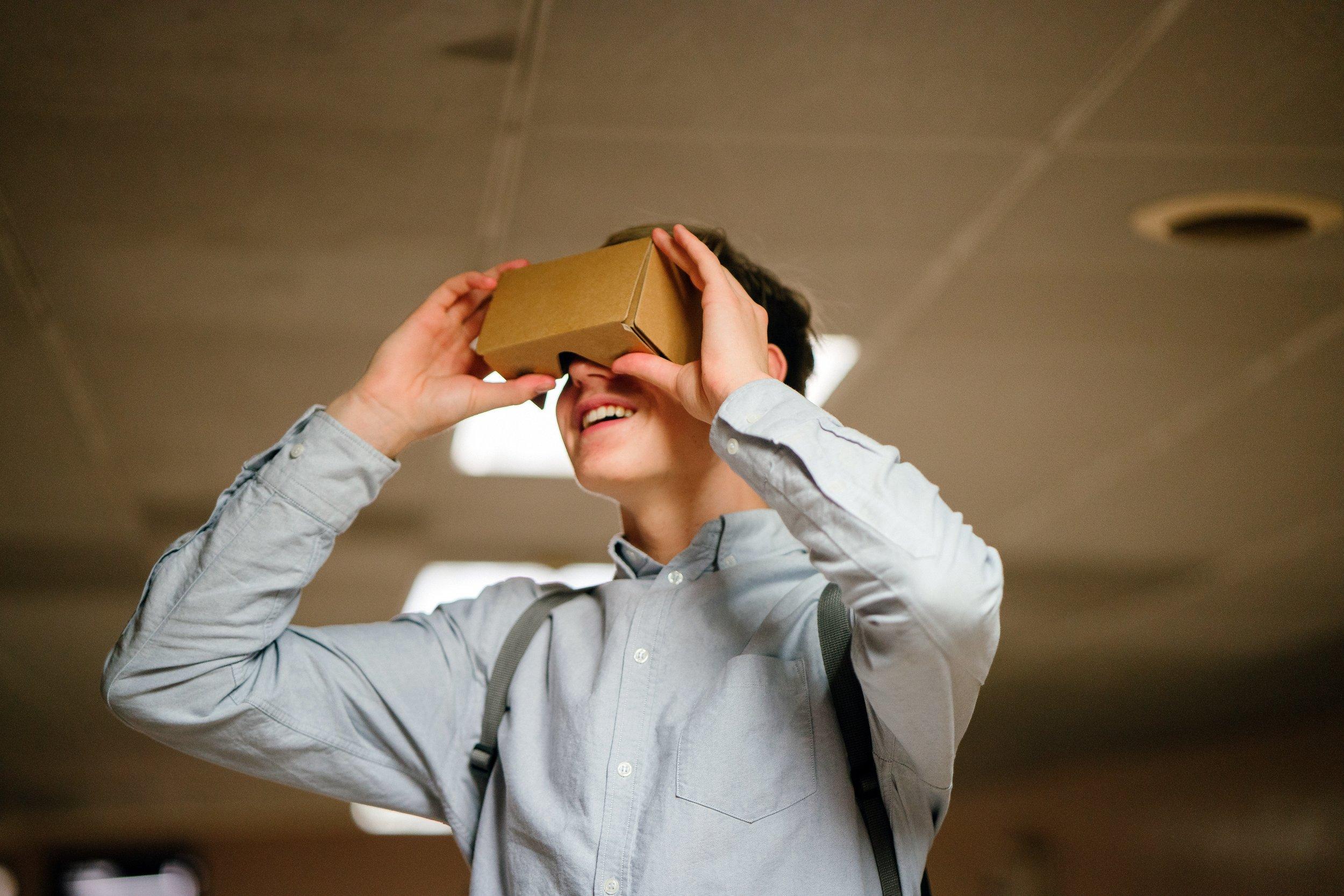 accomplishment-ar-augmented-reality-936575.jpg