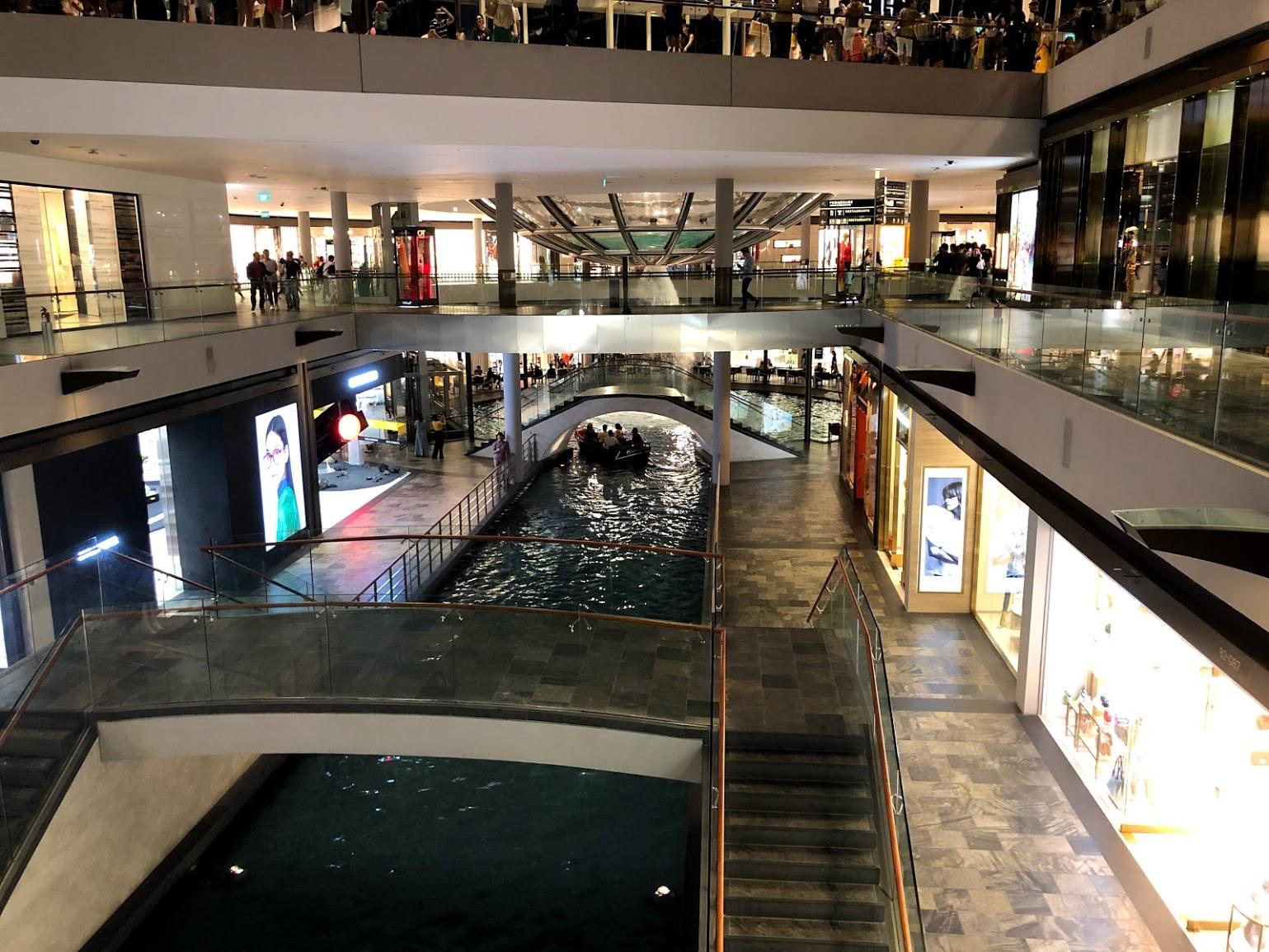 Shoppes at Marina Bay Sands Gondola