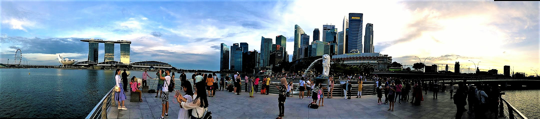 Panorama of Singapore Merlion and Marina Bay Sands