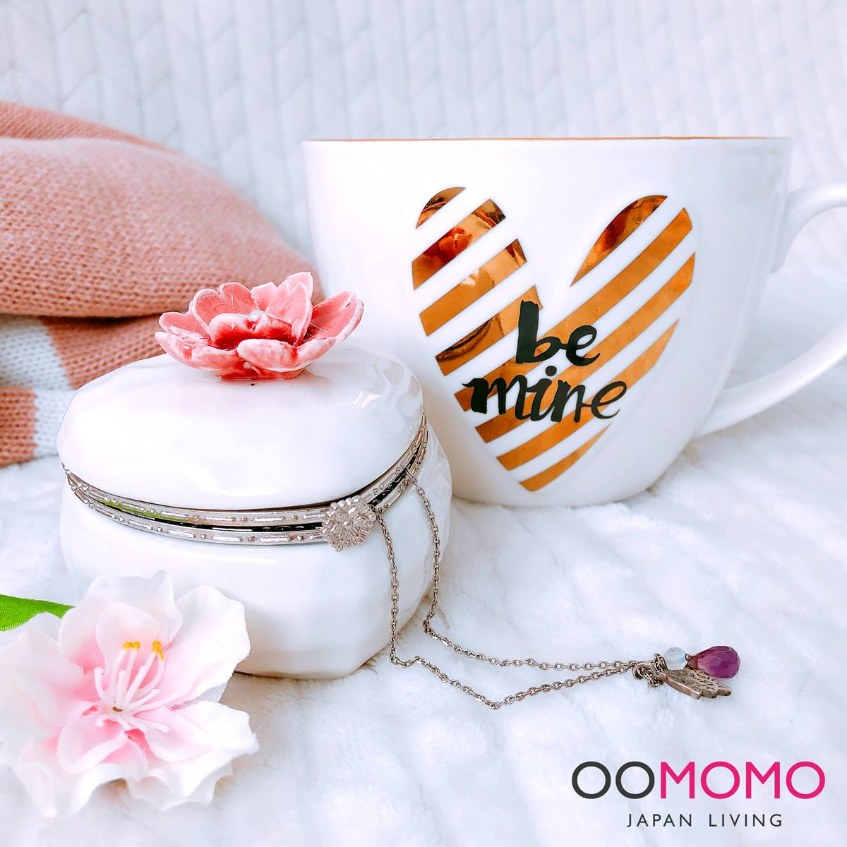 valentine OOMOMO