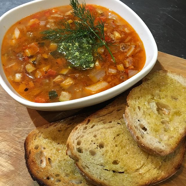 Still feeling the winter chills, we've got you covered...$5 1L frozen take-home packs of our famous winter warmers... Minestrone (Vegan)  Tomato & Roast Capsicum (Vegan)  Potato & Leek  Cream of Cauliflower  Red Lentil Dahl (Vegan)  Zucchini & Roast Garlic (Vegan)  Thai Pumpkin (Vegan)  Just pop in to see us at No5 and stock up on these babies as they won't be available long. . . . . . #5churchst #no5 #ilovebelloshire #ilovebello #cafe #coffee #food #bello #bellingen #yummy #dinner #winterwarmers *garnishes and sourdough not included