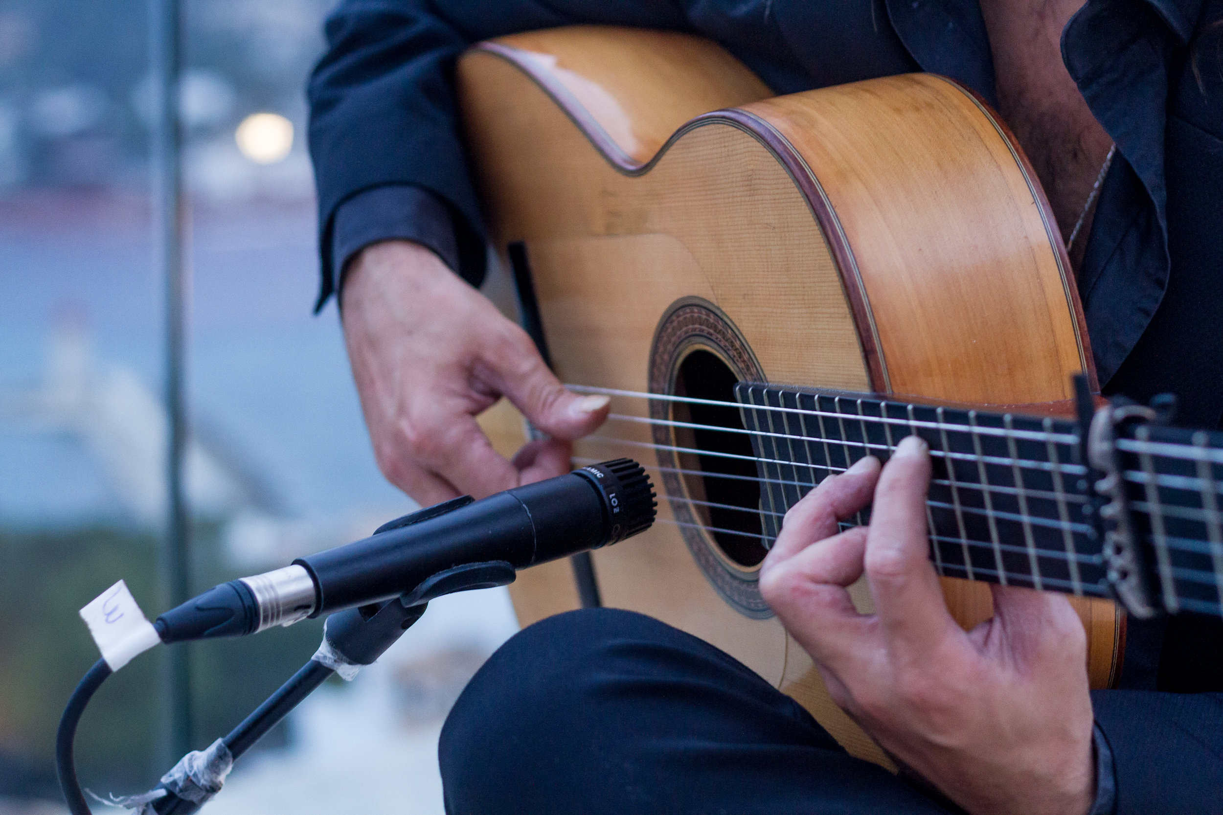 - Music Package. Whether you enjoy a live band or a peaceful guitarist, music is the perfect addition to an evening meal or celebration. We can have these performances scheduled to suit your plans.