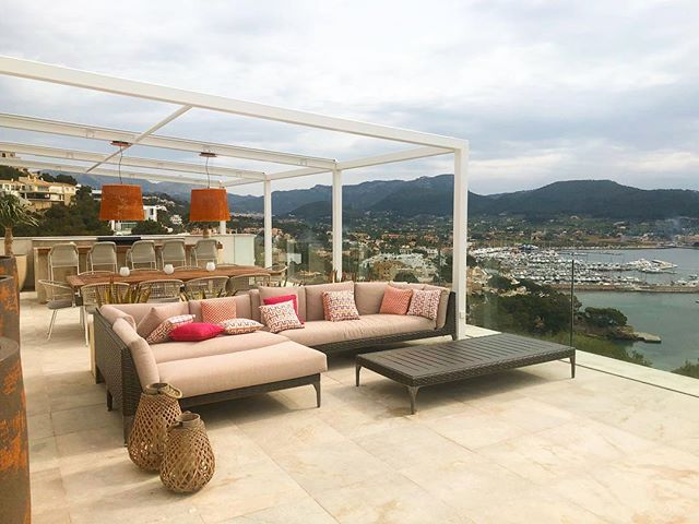 Soak up the sun from the roof terrace of Villa Infinitum. With plenty of space to relax, dine and party, it's the place to be in Port d'Andratx. . . . #villainfinitum #infinitumvillas #portdandratx #mallorca #majorca #luxuryvilla #villa #villaholiday #travel #luxurytravel #roofterrace