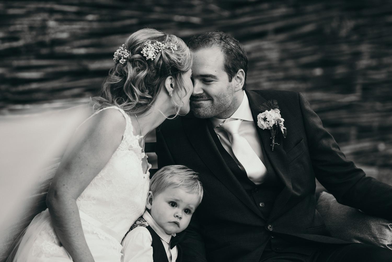 Sannaz Photography bruidspaar Wapen van Viaa (4).jpg