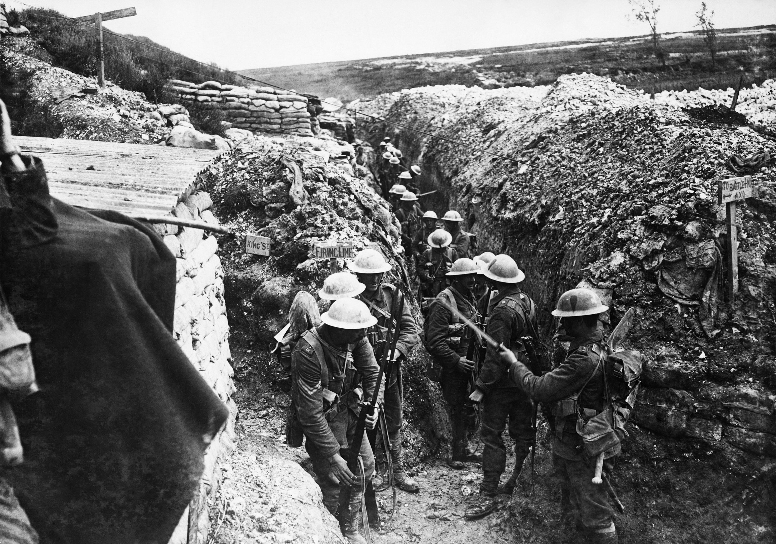 1st Lancashire Fusiliers, in communication trench near Beaumont Hamel, Somme, 1916. Photo by Ernest Brooks