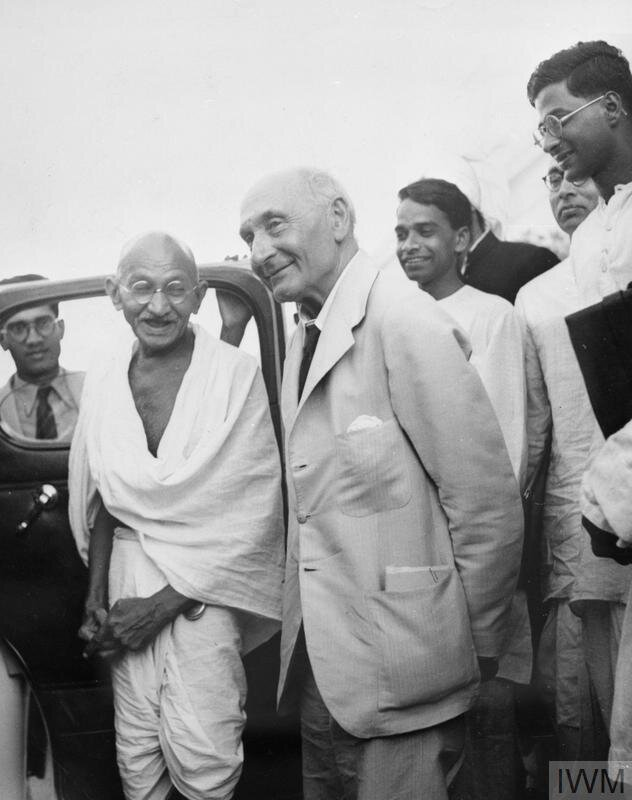 © IWM (IND 5083) Mahatma Gandhi with Lord Pethwick Lawrence, British Secretary of State for India, after a meeting on 18 April 1946.