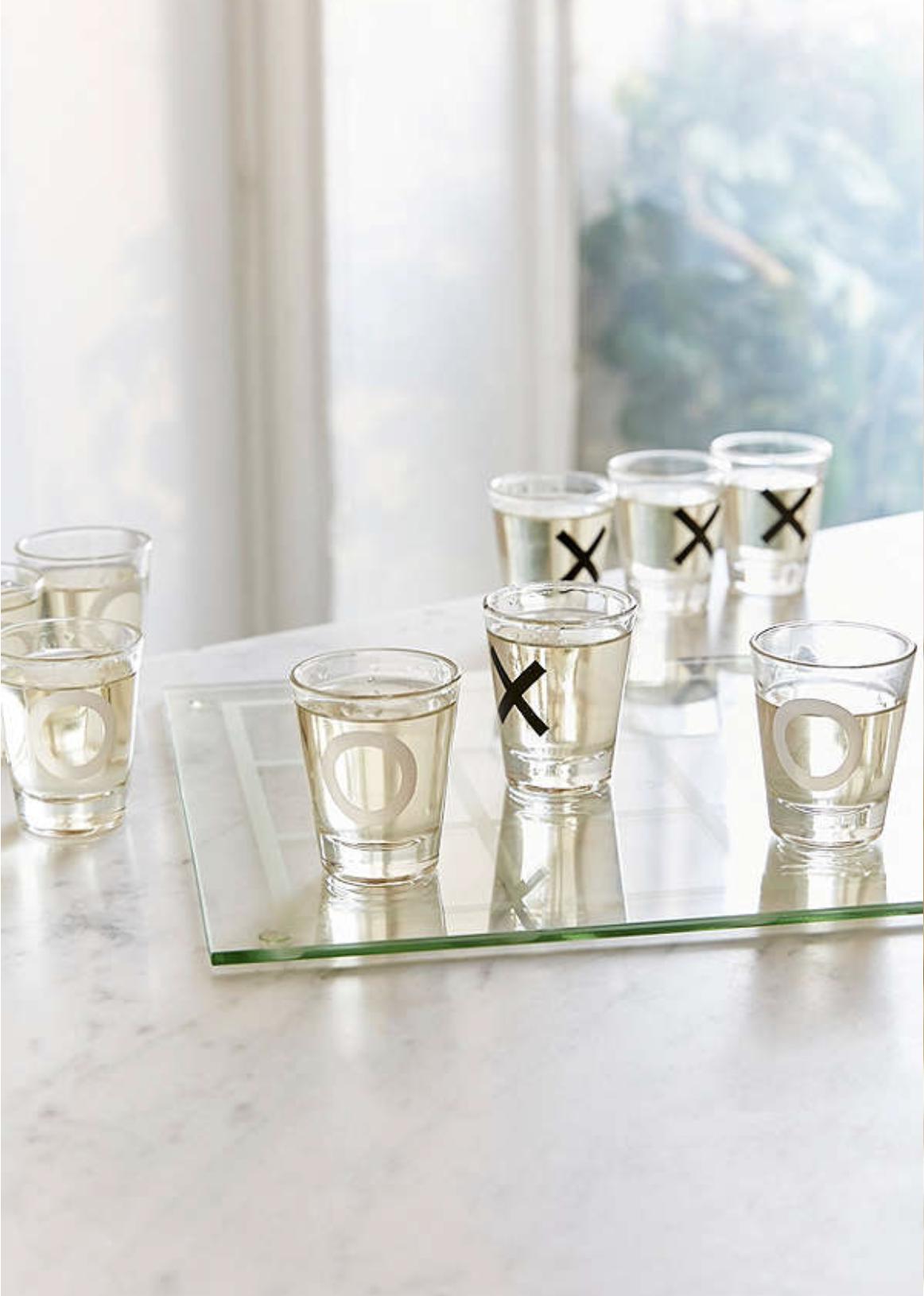 Tic-Tac-Toe Shot Glass Set