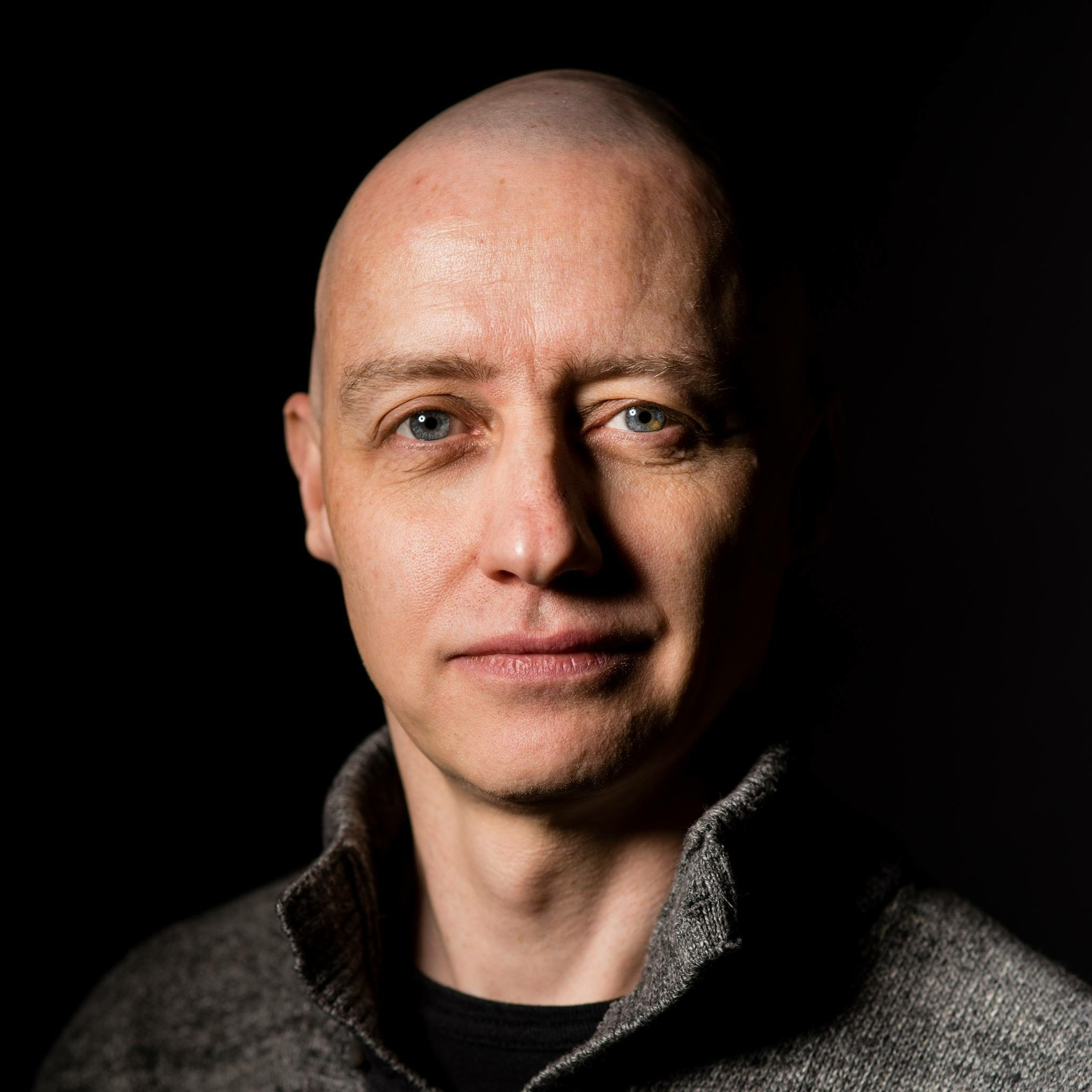 Alasdair Allan    (Babilim Light Industries, UK)    @aallan   Alasdair is a scientist, author, hacker, and journalist. In the past he has mesh networked the Moscone Center, caused a U.S. Senate hearing, and contributed to the detection of what was—at the time—the most distant object yet discovered.