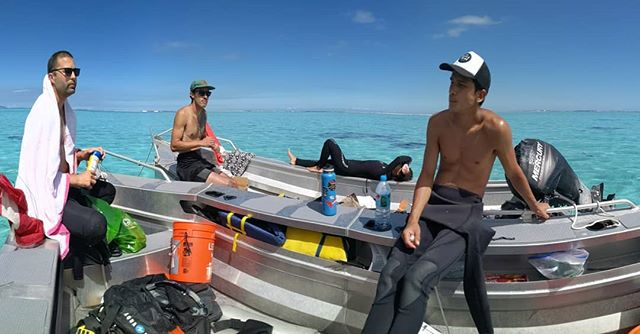 Taking our 15 on the Stier-mada . . . . . #moorea #frenchpolynesia #facesoffieldwork #research #marinescience #lunchwithaview #flotilla #keepmooreaweird