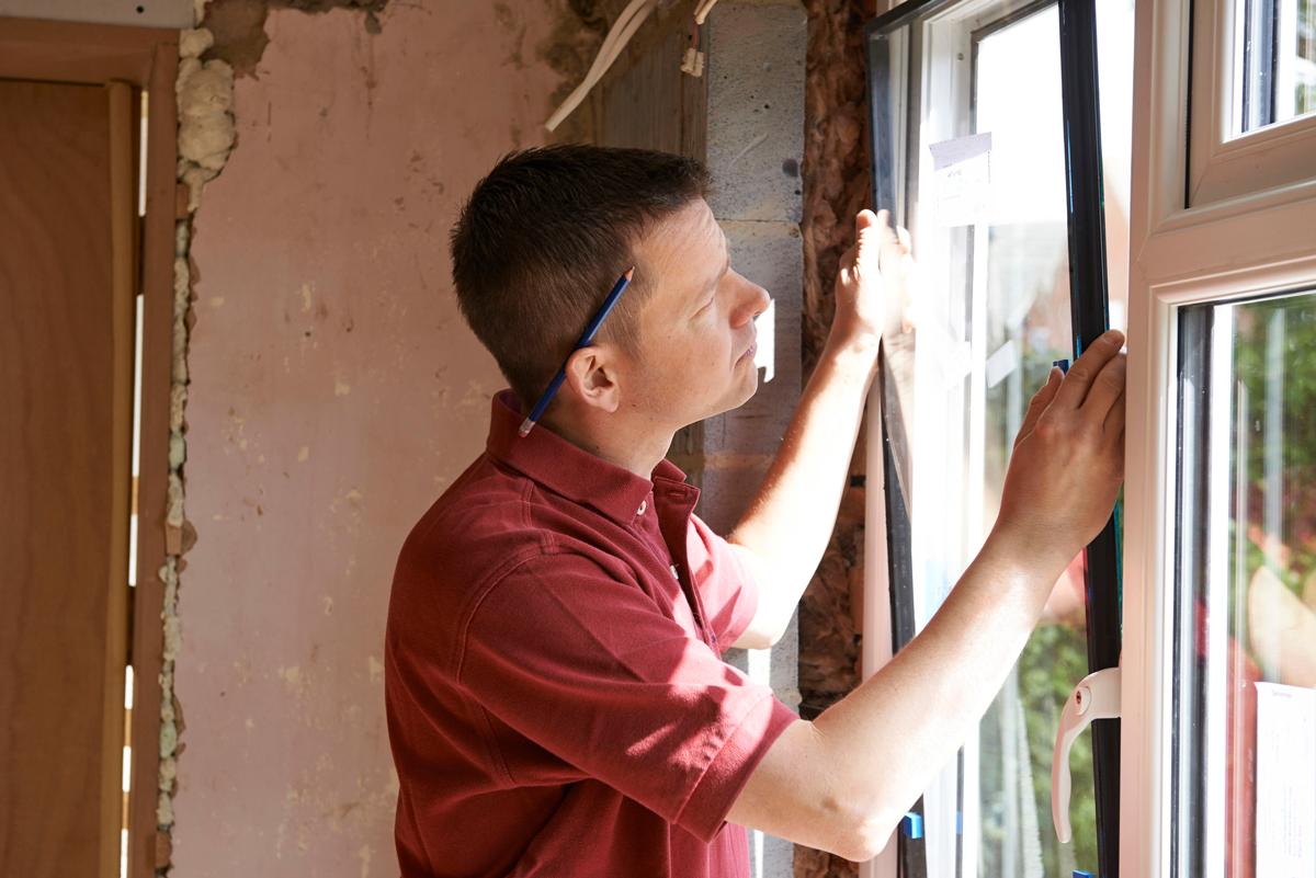 guy_installing_window1200.png