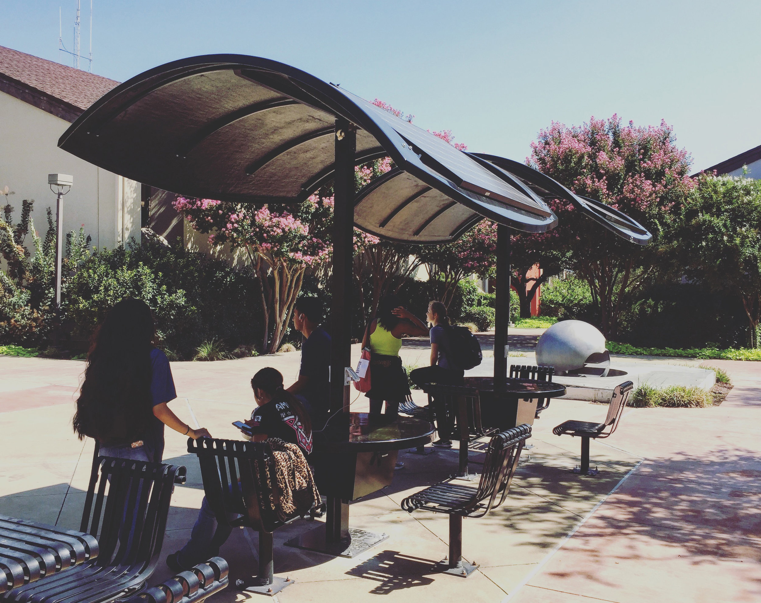 Evodia Solar Tables at Dallas Community College District