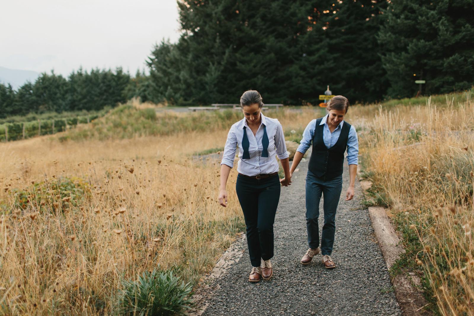Gorge-Crest-Vineyards-Wedding_145-1.jpg