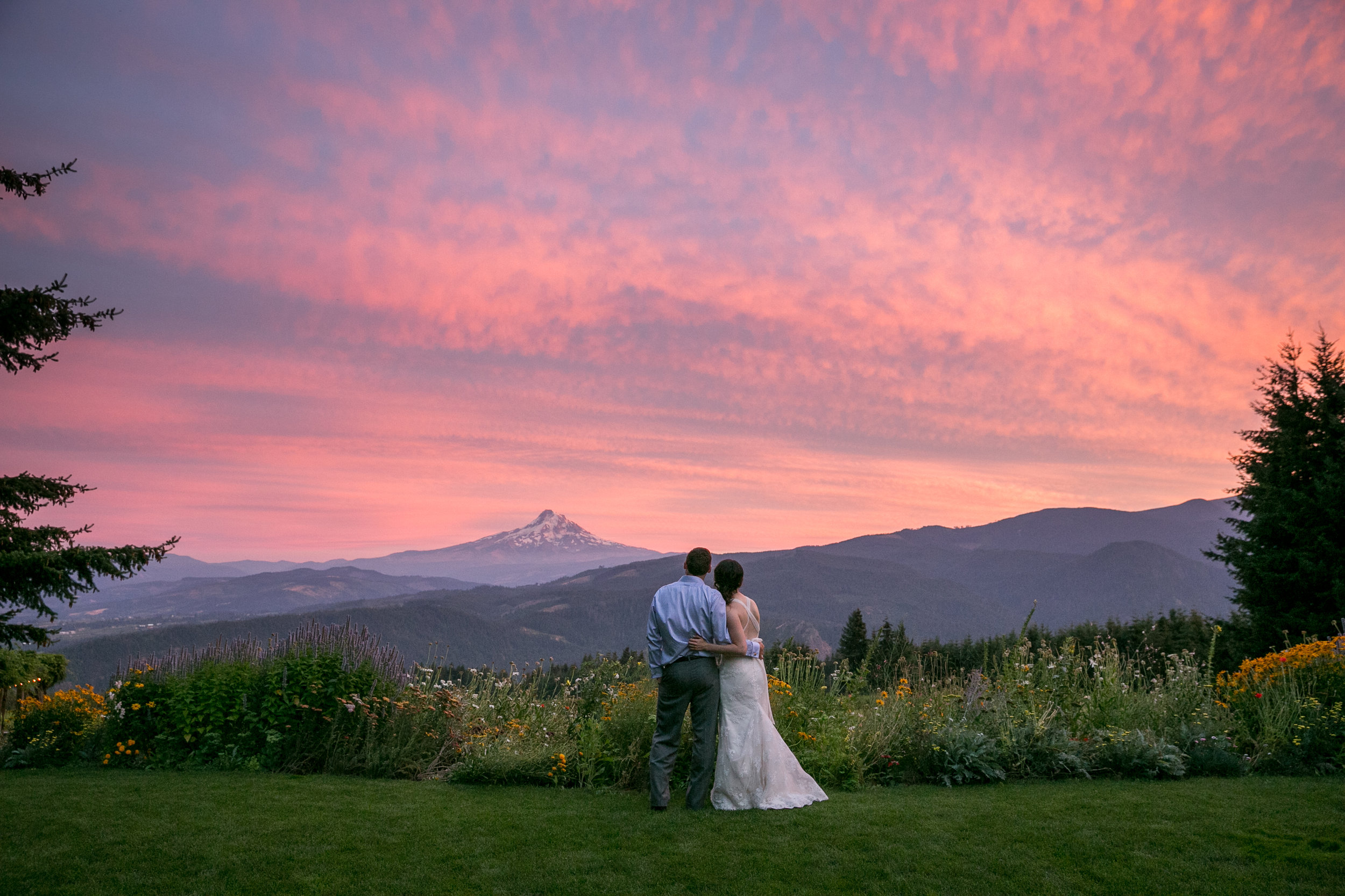 Gorge Crest Mt Hood Wedding Sunset.jpg