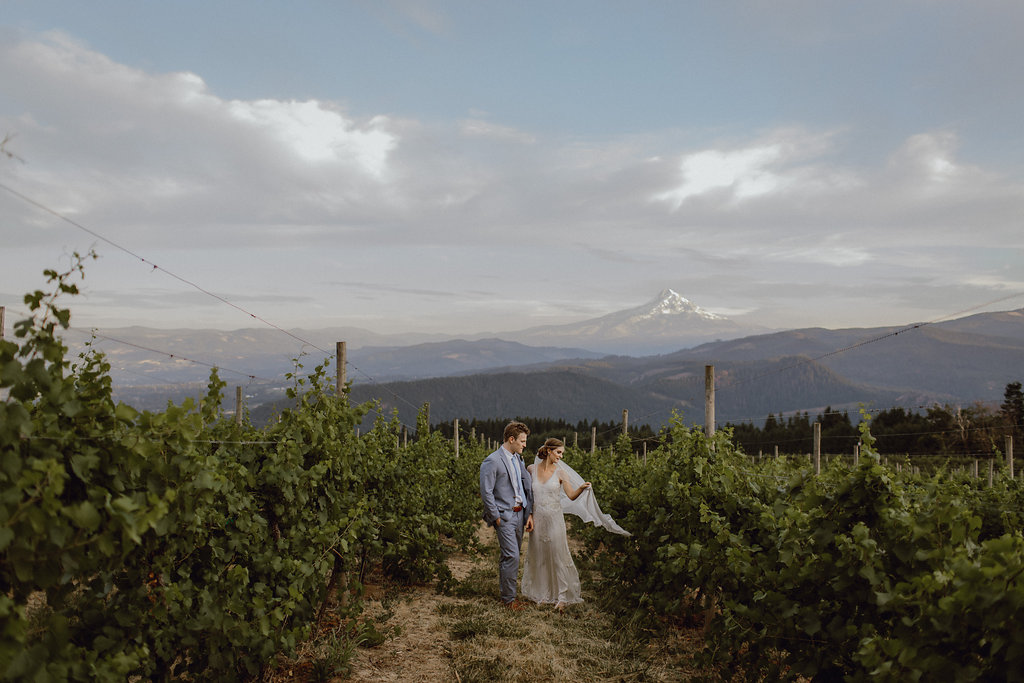 Gorge Crest Mt Hood River Vineyard Wedding.jpg