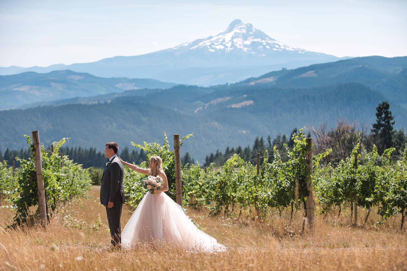 023-gorge-crest-vineyard-wedding.jpg