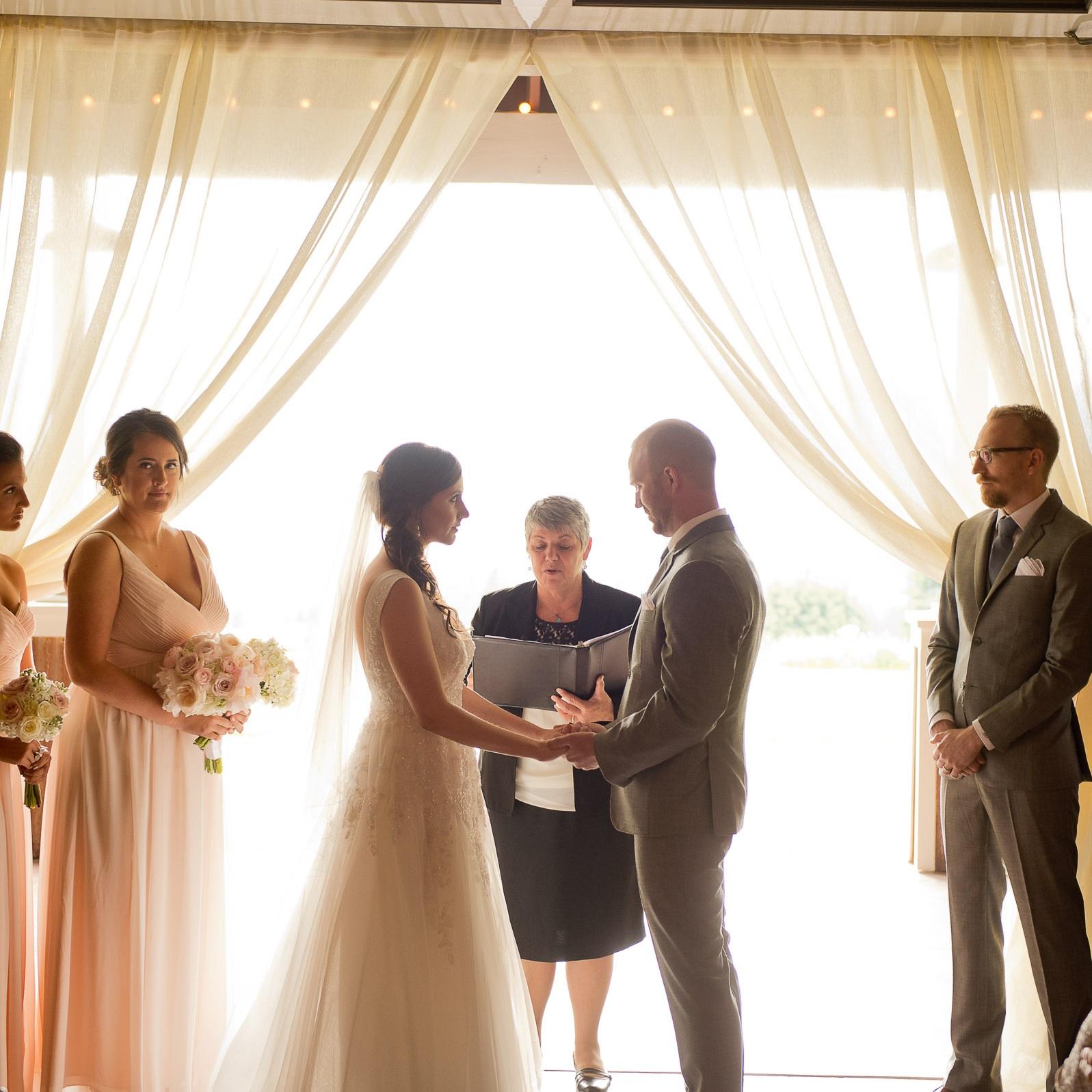 00048-moscastudio-gorge-crest-vineyard-weddings-ONLINE.jpg
