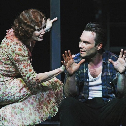 Thirteen years ago, #JessicaLange, @mssarahcatharinepaulson , @jlucasthe and @realchristianslater starred in THE GLASS MENAGERIE at the Ethel Barrymore Theatre! What a show! 📸: Paul Kolnik